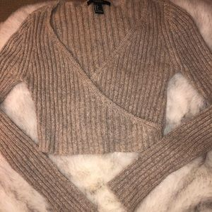 Crop  v-neck sweater top